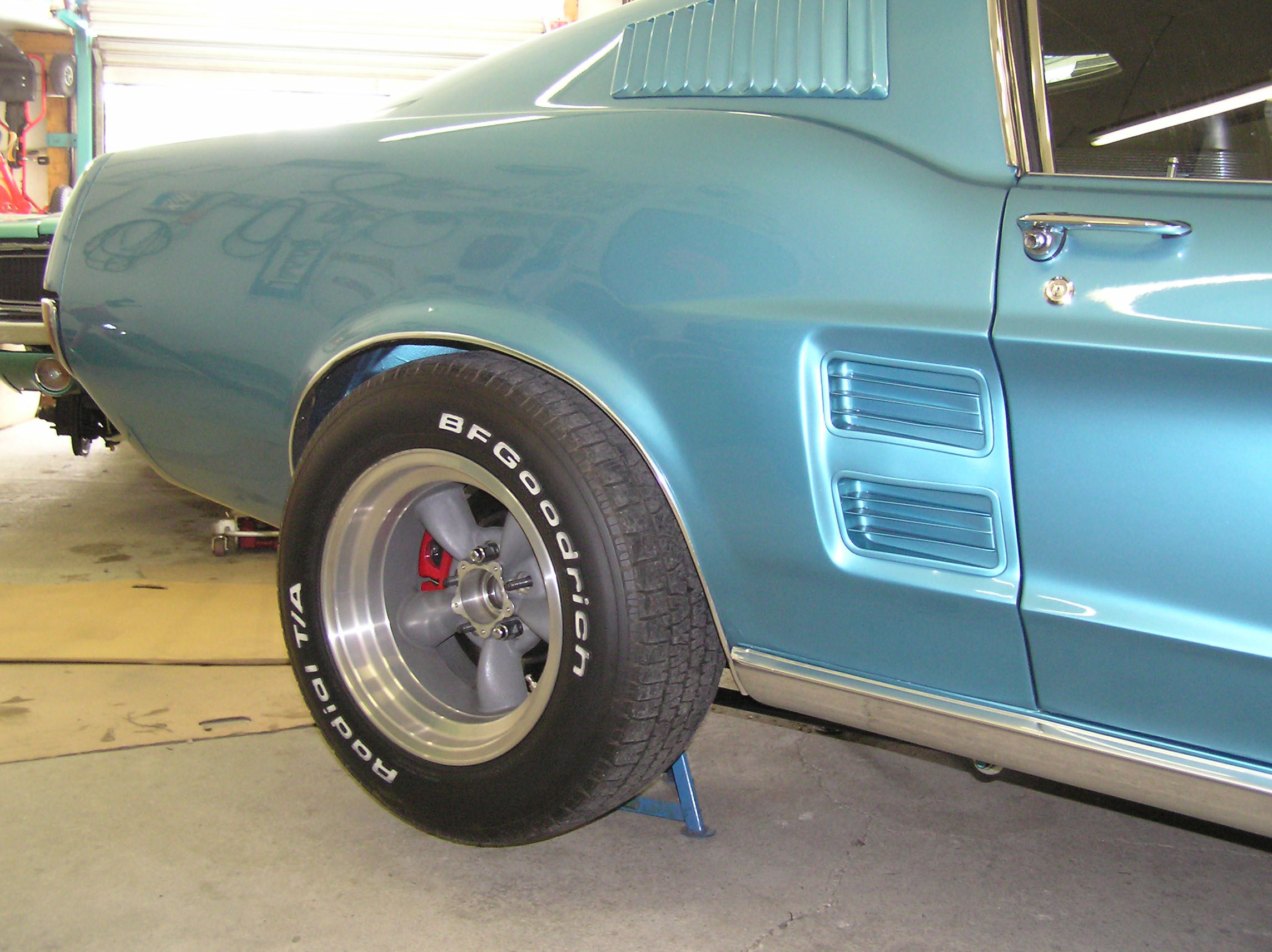 ive tried the front wheels from my 69 charger american racing td 15x85 with bs 375 and 15 with out wheel spacer